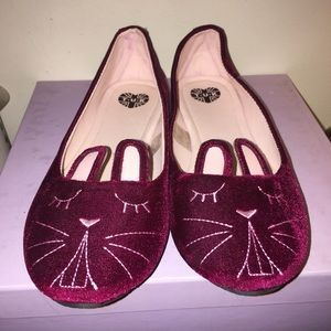 T.U.K Red velvet bunny ballet flats like new sz 9